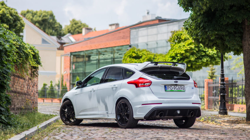 Ford Focus RS rent a car poznań